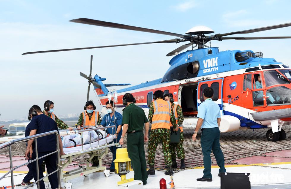Sân bay cấp cứu bằng trực thăng đầu tiên của Việt Nam đi vào hoạt động - Ảnh 9.