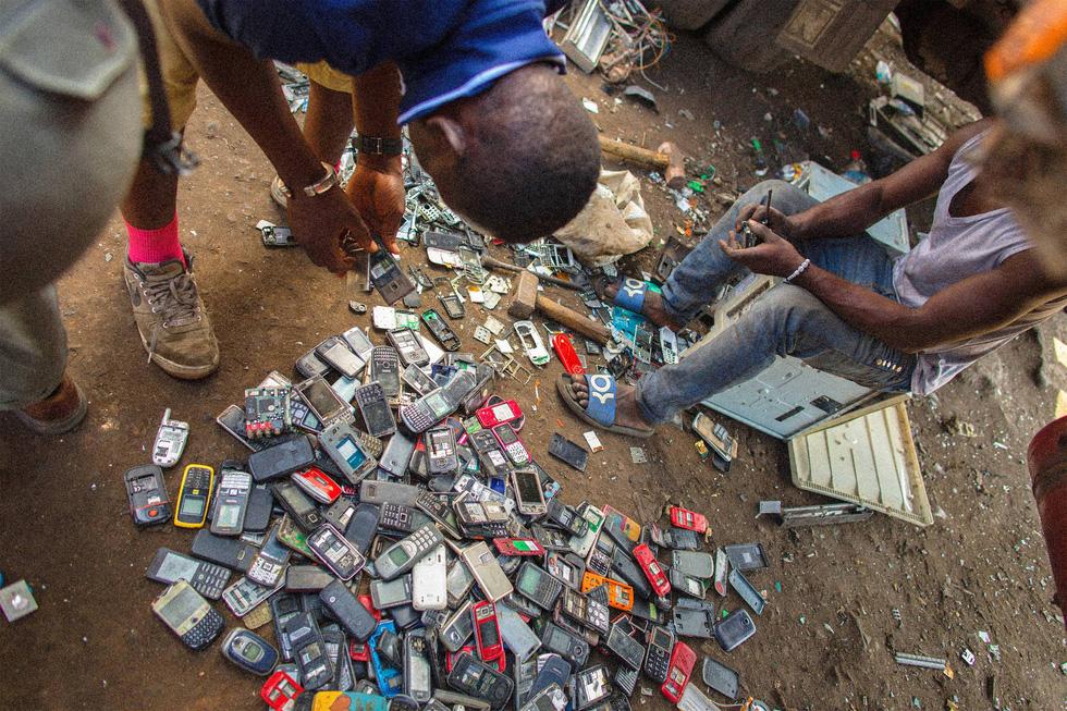Ô nhiễm kinh hoàng tại bãi rác thải điện tử lớn nhất thế giới - Ảnh 2.