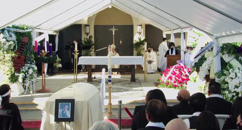 Phương Loan khóc ngất tại lễ an táng nghệ sĩ Chí Tài ở Mỹ - Ảnh 4.