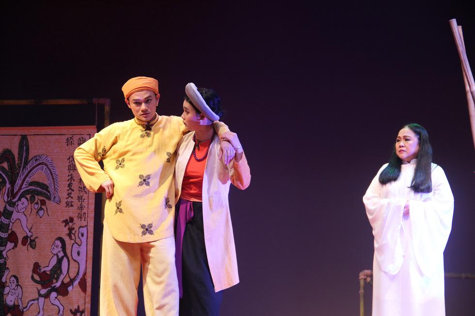 Sân khấu 2020: Dù COVID-19 hành thì người Sài Gòn vẫn thương sàn diễn lắm! - Ảnh 1.