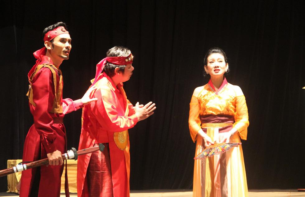 Sân khấu 2020: Dù COVID-19 hành thì người Sài Gòn vẫn thương sàn diễn lắm! - Ảnh 7.