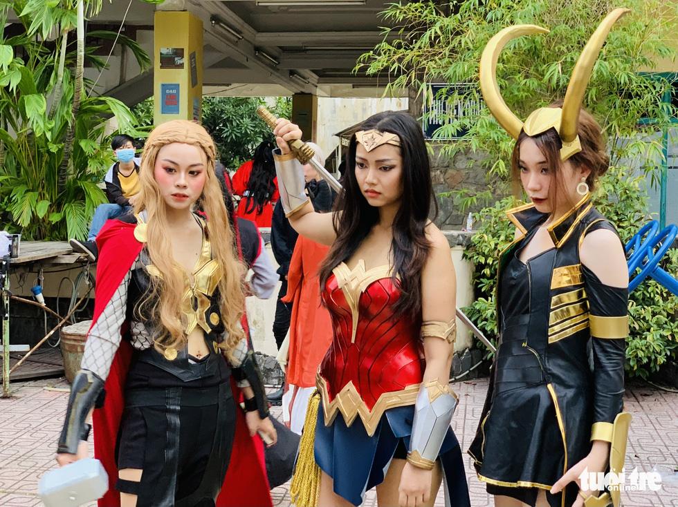 Thi cosplay: Siêu anh hùng bước ra đời thực - Ảnh 1.