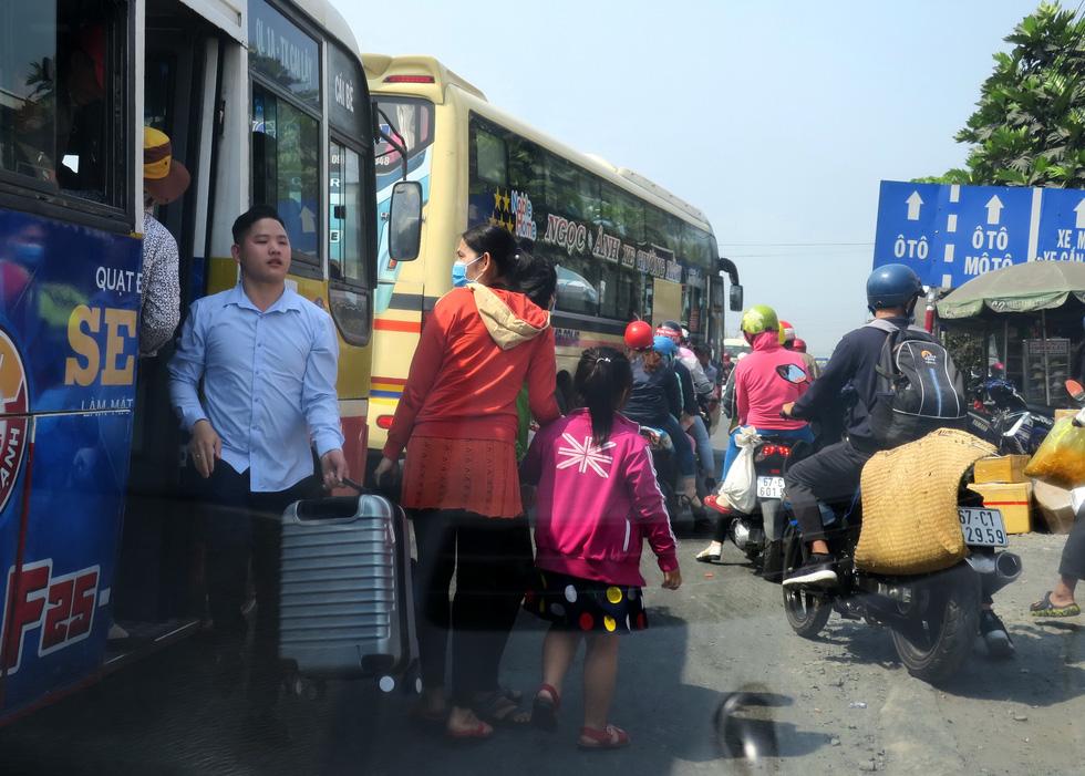 Cao tốc Trung Lương - Mỹ Thuận dồn sức thông xe trước tết - Ảnh 7.
