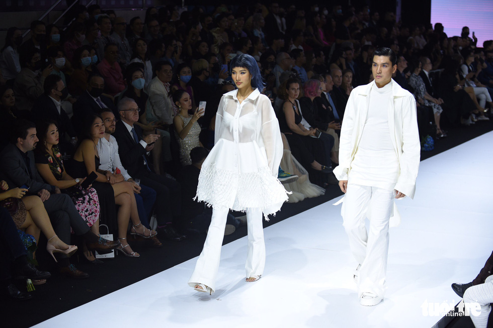Dàn hoa hậu, á hậu thần thái cá tính mở màn Tuần lễ thời trang quốc tế Việt Nam - Ảnh 5.
