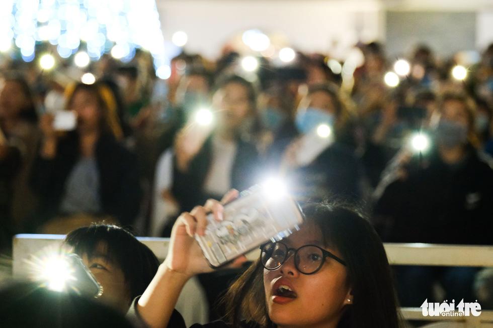 Đức Phúc xuất hiện khuấy đảo lễ hội Đà Nẵng chào năm mới 2021 - Ảnh 7.