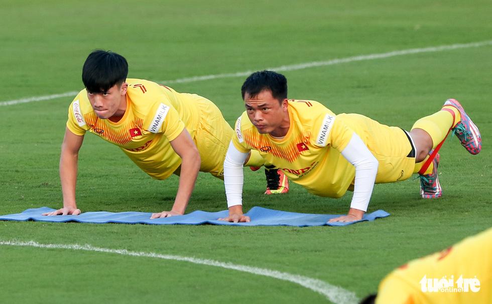 Công Phượng vắng mặt ngày đầu tuyển Việt Nam tập luyện - Ảnh 5.