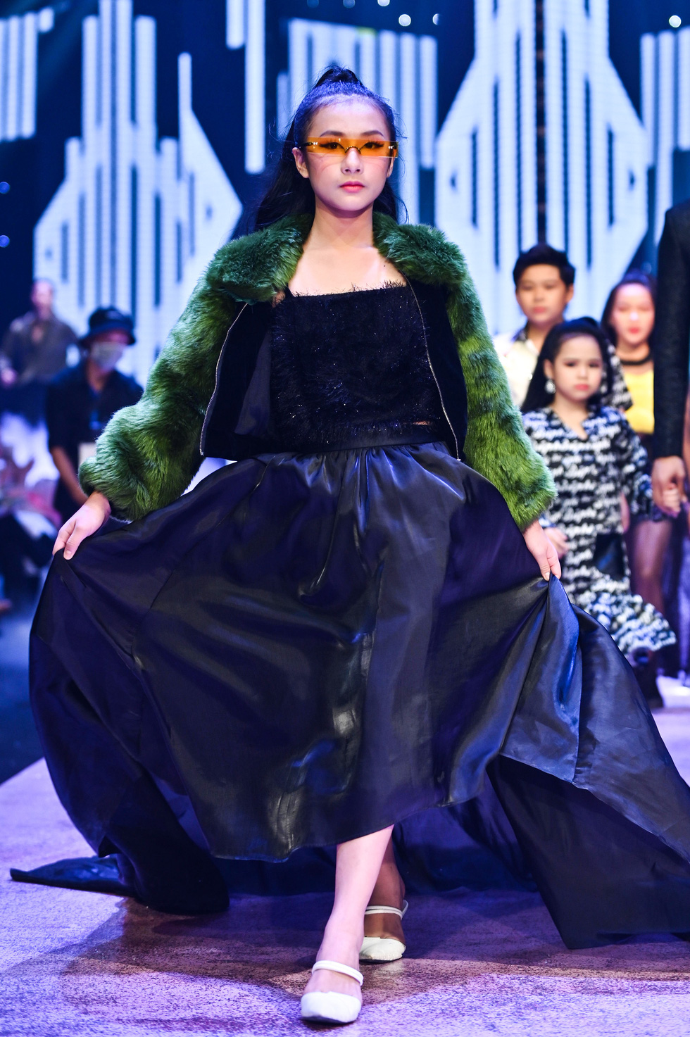 Luong Thuy Linh and Kieu Loan transform into gorgeous, personality dolls - Photo 3.