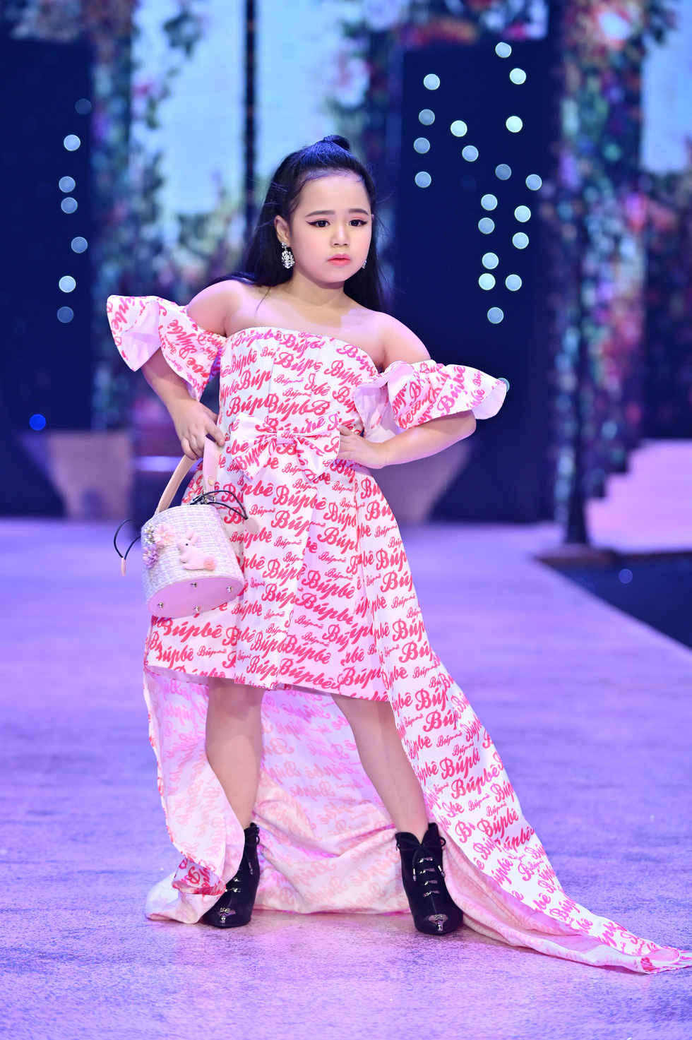 Luong Thuy Linh and Kieu Loan transform into gorgeous, personality dolls - Photo 7.