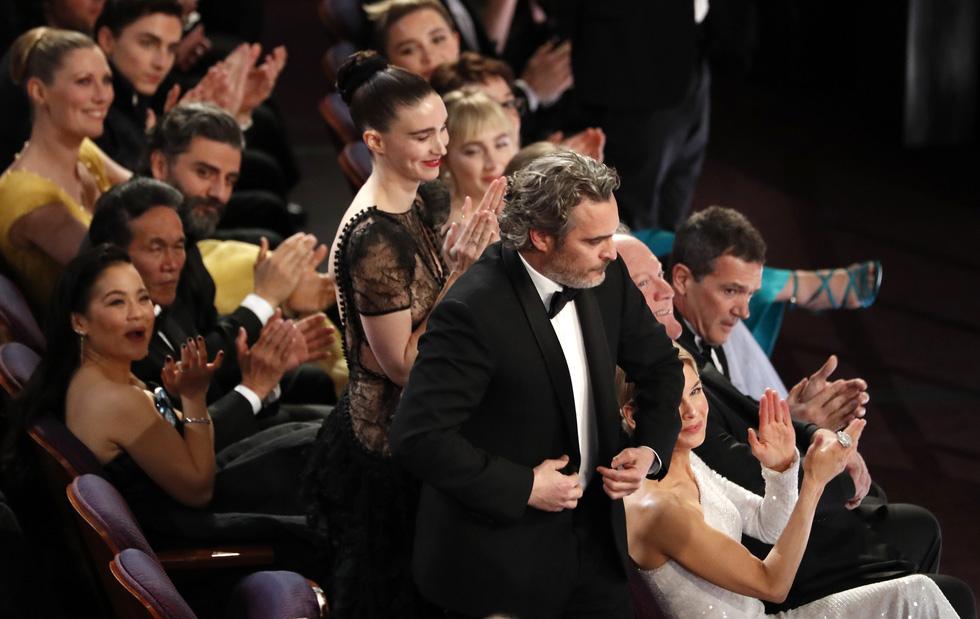 Lần đầu tiên trong lịch sử Oscar, Parasite, một phim châu Á giành giải phim hay nhất - Ảnh 5.