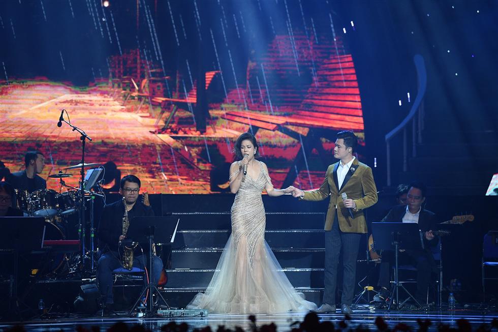 Hơn 3.000 khán giả đeo khẩu trang nghe Bằng Kiều, Thu Phương, Hồng Nhung hát - Ảnh 4.