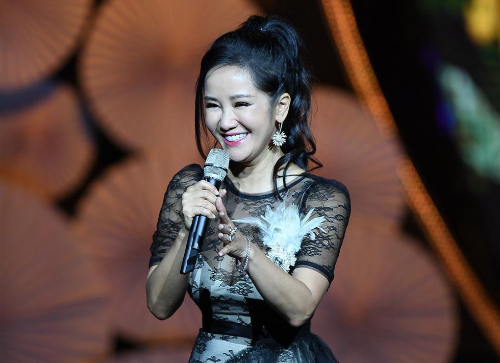 Hơn 3.000 khán giả đeo khẩu trang nghe Bằng Kiều, Thu Phương, Hồng Nhung hát - Ảnh 5.