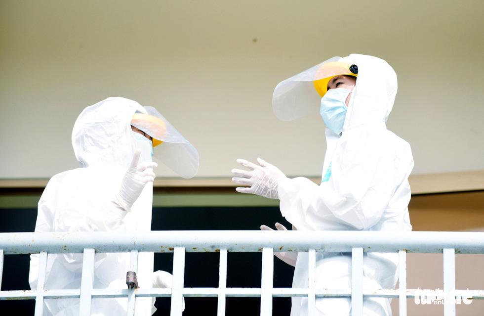 Bệnh viện dã chiến tại TP.HCM chính thức hoạt động - Ảnh 1.