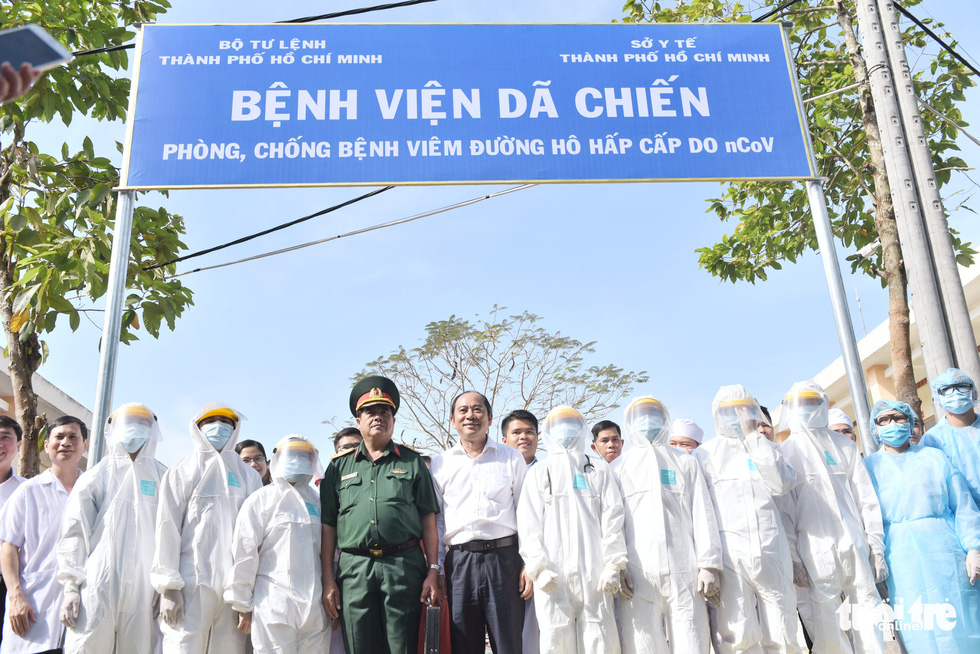 Bệnh viện dã chiến tại TP.HCM chính thức hoạt động - Ảnh 15.