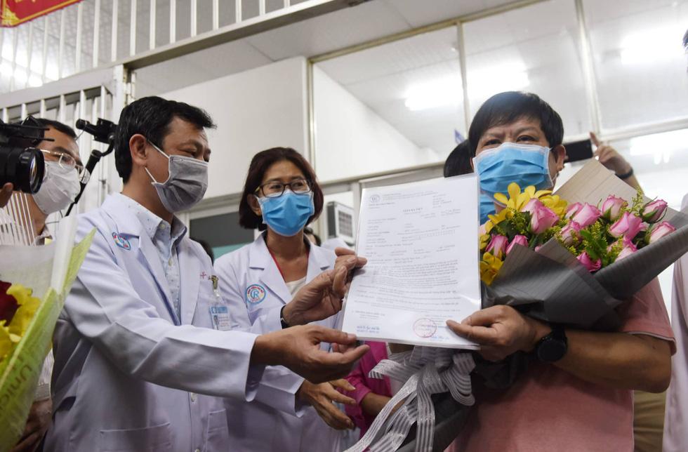 Bệnh nhân Li Ding: 'Cảm ơn Việt Nam - cảm ơn bác sĩ Việt Nam!' - Ảnh 4.
