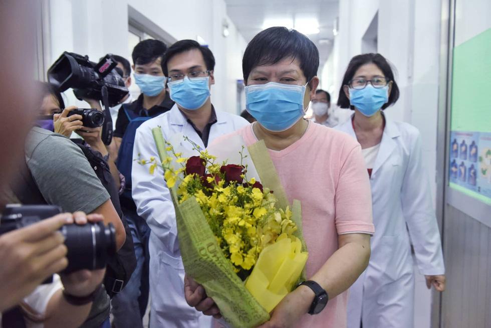Bệnh nhân Li Ding: 'Cảm ơn Việt Nam - cảm ơn bác sĩ Việt Nam!' - Ảnh 1.