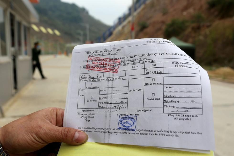Ngày đầu tiên cửa khẩu Tân Thanh mở lại, 300 tấn nông sản qua Trung Quốc - Ảnh 6.