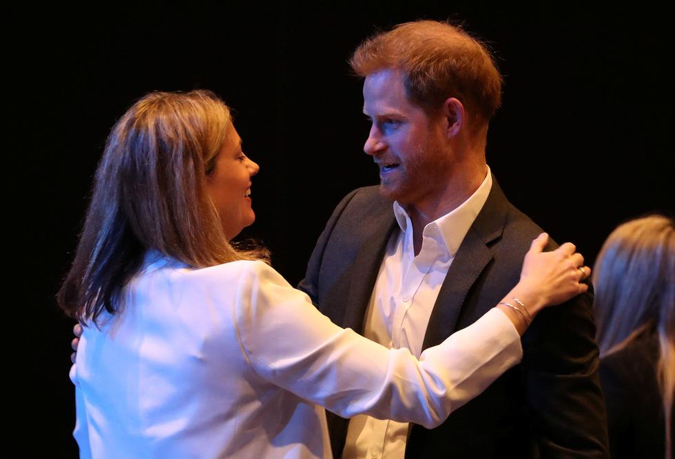Hoàng tử Anh: Từ giờ hãy chỉ gọi tôi là Harry! - Ảnh 4.