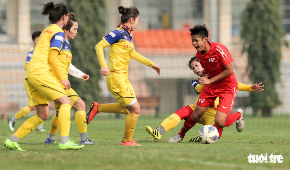 Tuyển nữ Việt Nam thua trắng U16 PVF: HLV Mai Đức Chung vẫn hài lòng - Ảnh 8.