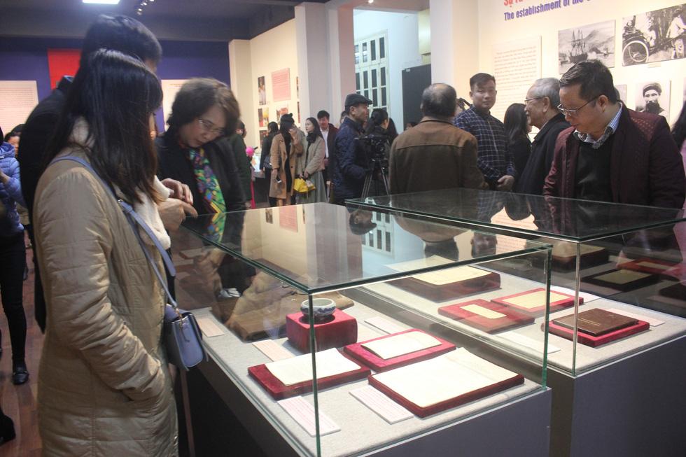 Trưng bày bảo vật quốc gia Đường kách mệnh và nhiều hiện vật quý hiếm về Đảng - Ảnh 2.