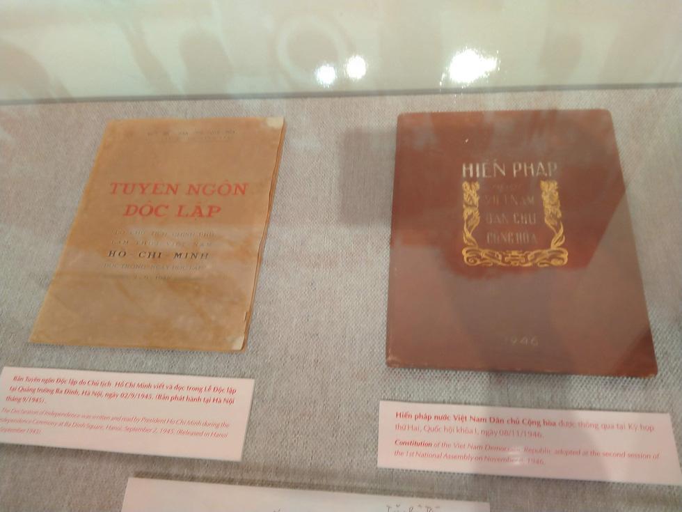 Trưng bày bảo vật quốc gia Đường kách mệnh và nhiều hiện vật quý hiếm về Đảng - Ảnh 7.