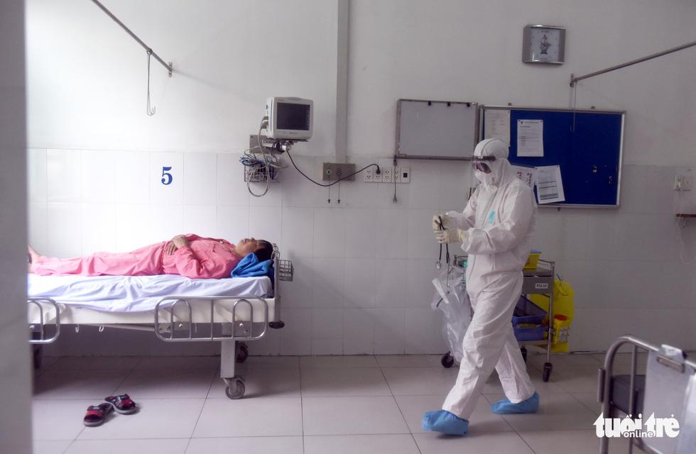 Bên trong khu cách ly bệnh nhân nhiễm corona ở Bệnh viện Chợ Rẫy - Ảnh 14.