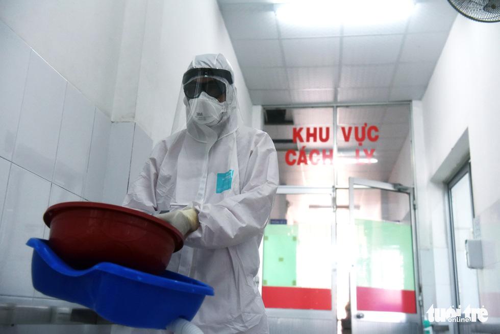 Bên trong khu cách ly bệnh nhân nhiễm corona ở Bệnh viện Chợ Rẫy - Ảnh 4.
