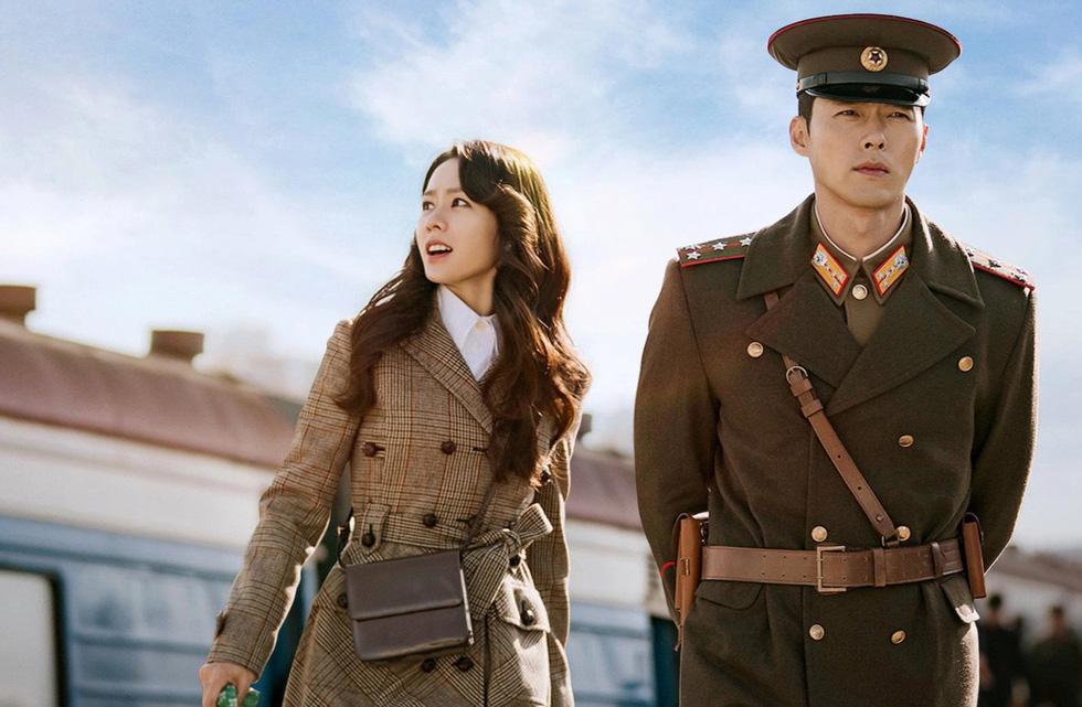 Hạ cánh nơi anh: Mê mẩn ngắm  Son Ye Jin và Hyun Bin dù cuộc tình phi lý - Ảnh 1.