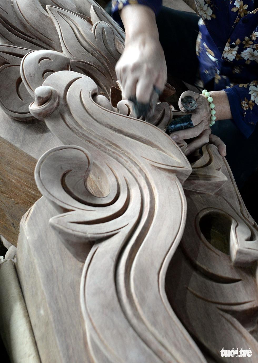 Vào xưởng mộc làm rường cột mới cho nhà thờ Bùi Chu - Ảnh 8.