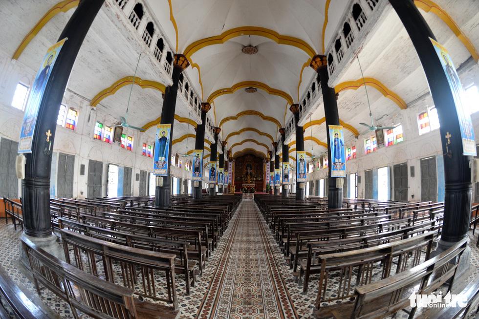 Vào xưởng mộc làm rường cột mới cho nhà thờ Bùi Chu - Ảnh 11.