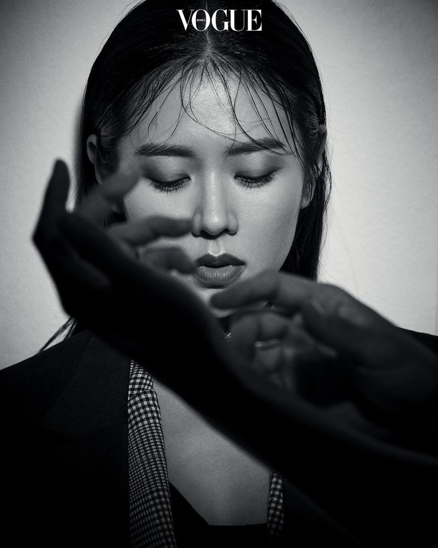 Hạ cánh nơi anh: Mê mẩn ngắm  Son Ye Jin và Hyun Bin dù cuộc tình phi lý - Ảnh 9.