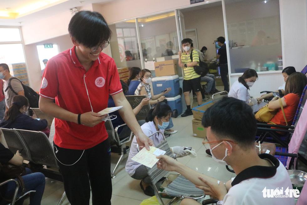 TP.HCM: Hơn 1.000 người tham gia hiến máu - Ảnh 9.