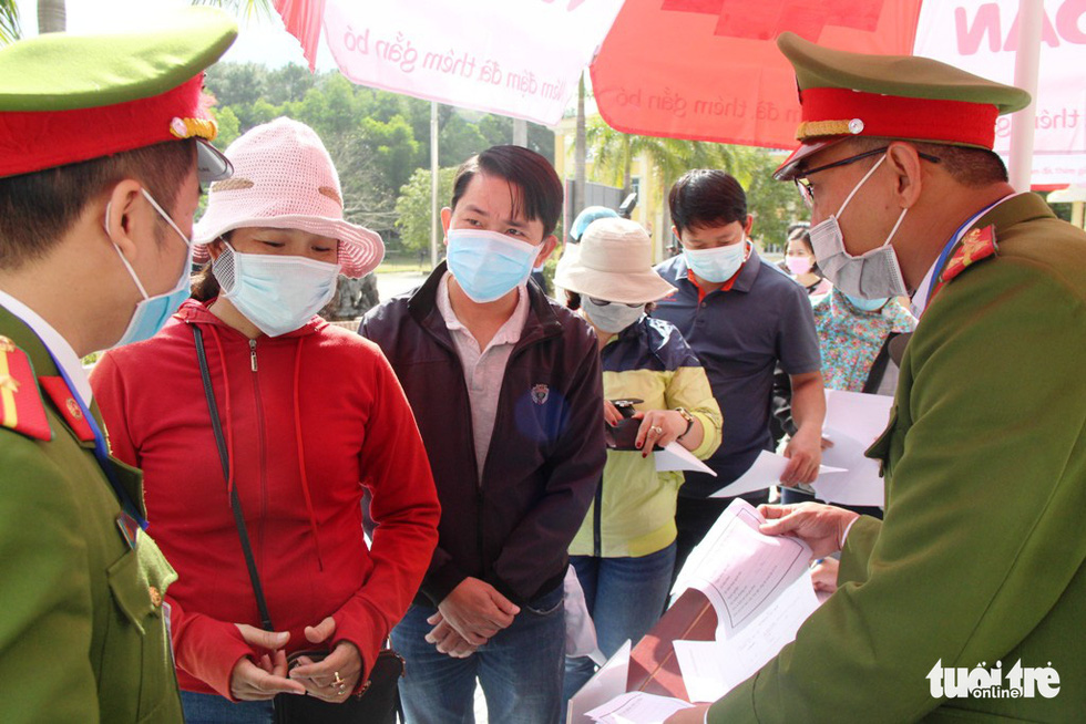 Diễn tập đón công dân Việt Nam từ vùng dịch trở về Huế - Ảnh 10.