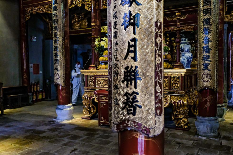 Khử trùng di tích nhà tù Hỏa Lò, Hoàng thành Thăng Long, Văn Miếu... - Ảnh 6.