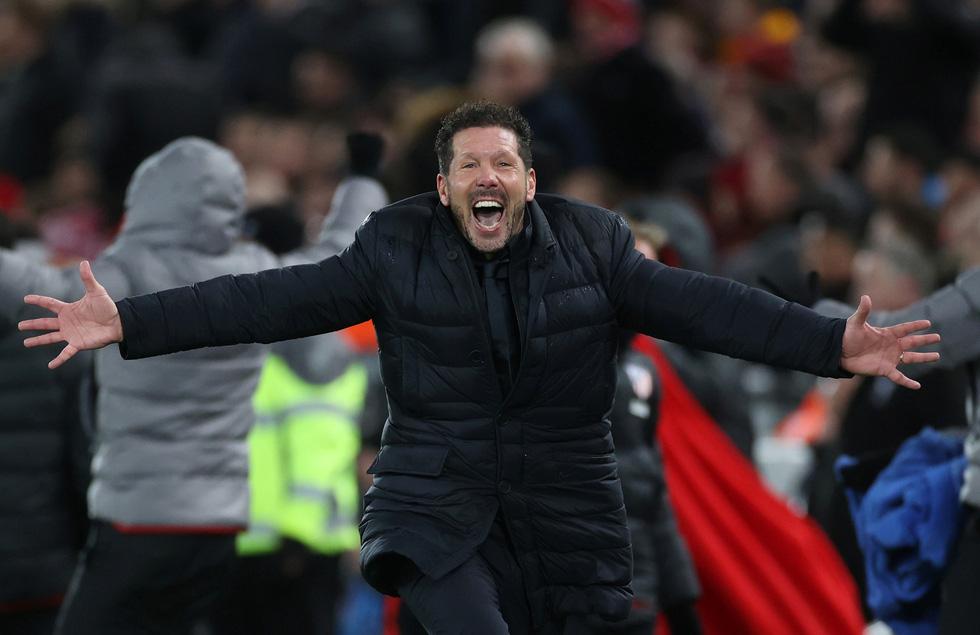 Những khoảnh khắc ấn tượng trong ngày Atletico Madrid tiễn Liverpool khỏi Champions League - Ảnh 8.