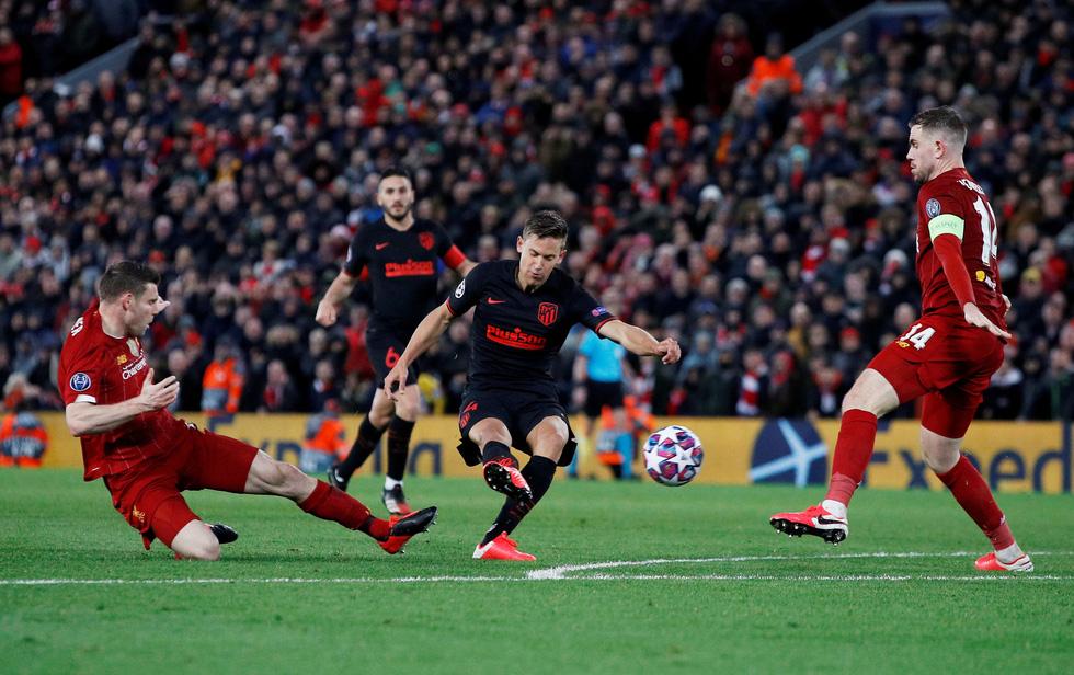 Những khoảnh khắc ấn tượng trong ngày Atletico Madrid tiễn Liverpool khỏi Champions League - Ảnh 6.