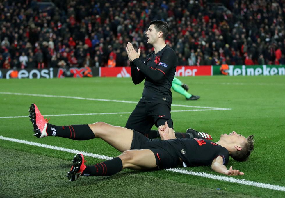 Những khoảnh khắc ấn tượng trong ngày Atletico Madrid tiễn Liverpool khỏi Champions League - Ảnh 10.