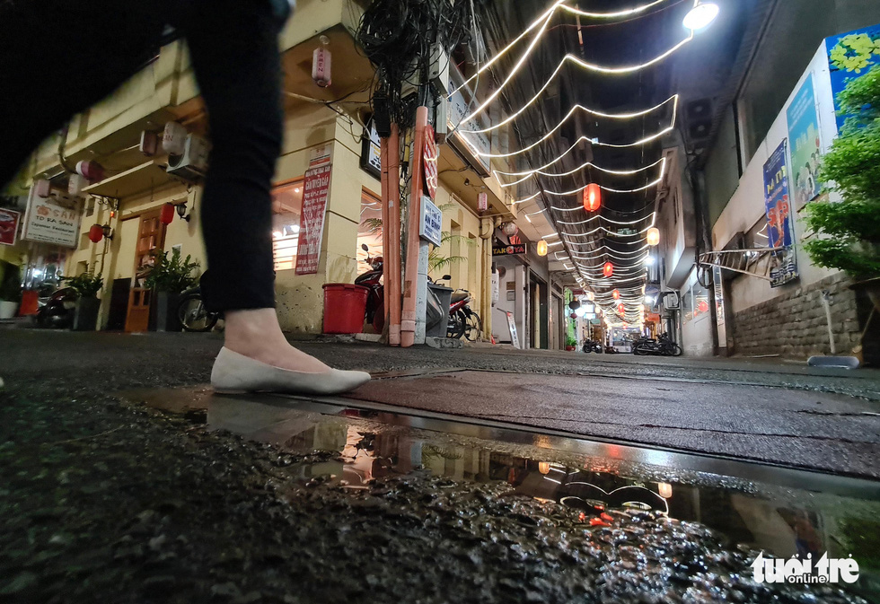 Phố bar, massage Nhật Bản ở quận 1 vắng như… tết - Ảnh 2.