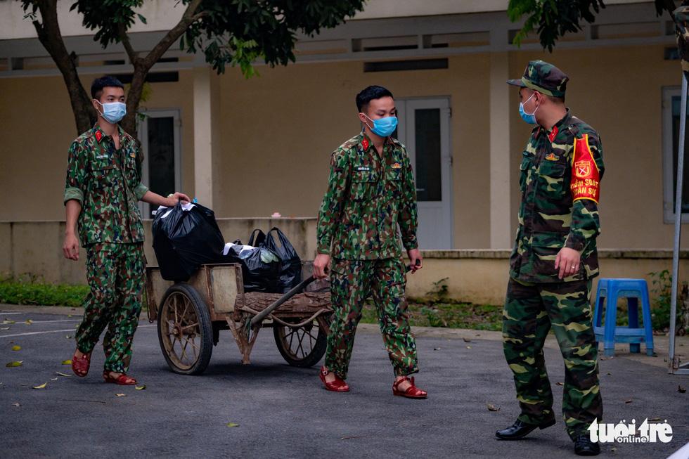 Người Việt từ châu Âu trở về: 'Đất nước của mình, mình phải về thôi' - Ảnh 6.