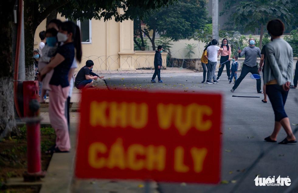 Người Việt từ châu Âu trở về: 'Đất nước của mình, mình phải về thôi' - Ảnh 1.