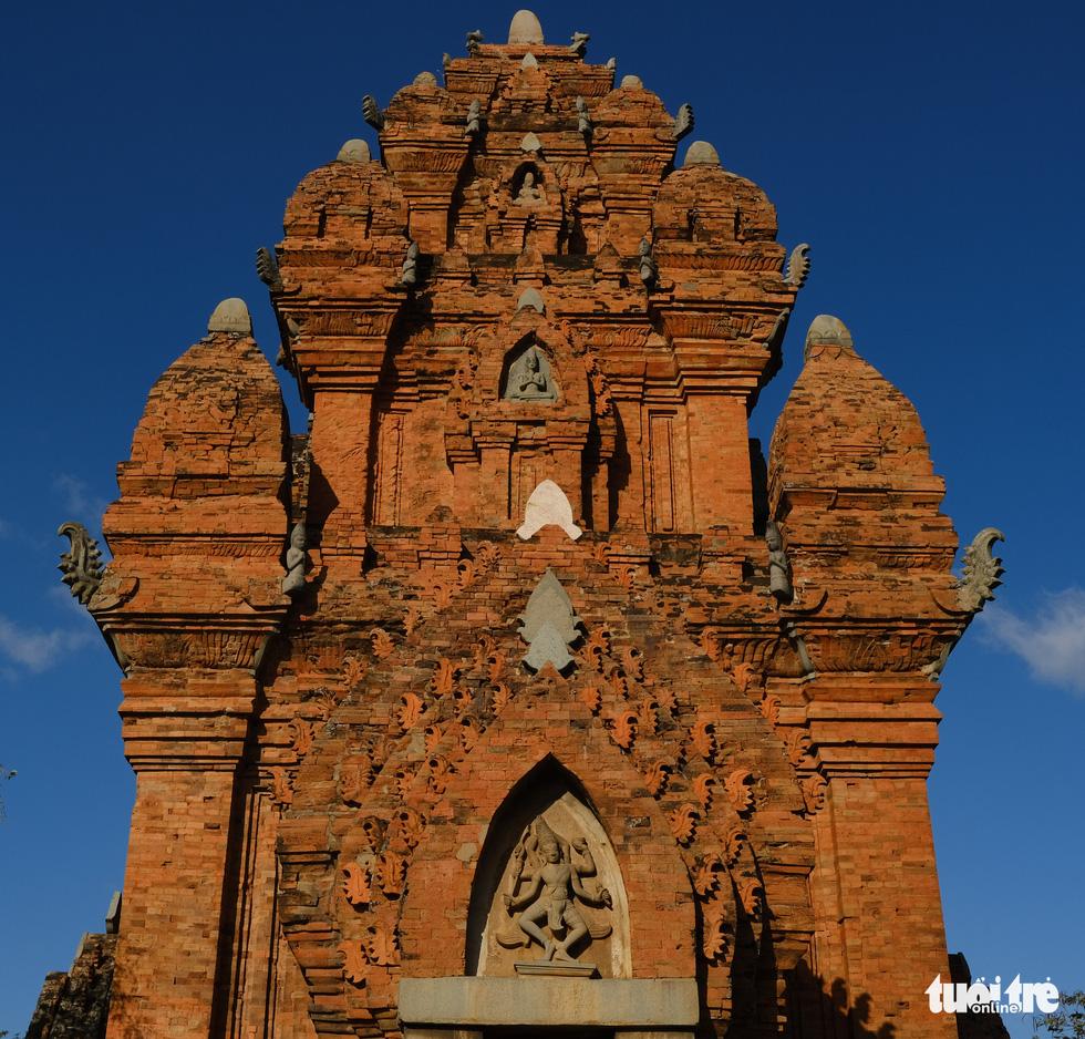 Tháp Chàm Po Klong Garai sừng sững giữa nắng gió Phan Rang - Ảnh 4.