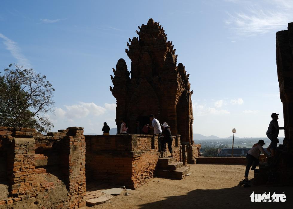 Tháp Chàm Po Klong Garai sừng sững giữa nắng gió Phan Rang - Ảnh 3.