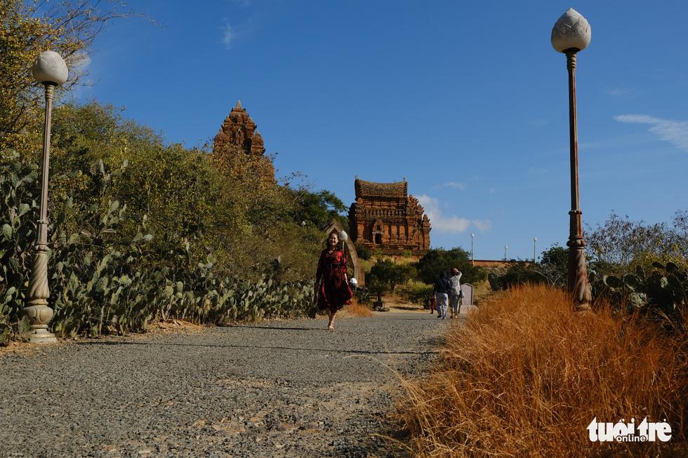 Tháp Chàm Po Klong Garai sừng sững giữa nắng gió Phan Rang - Ảnh 1.