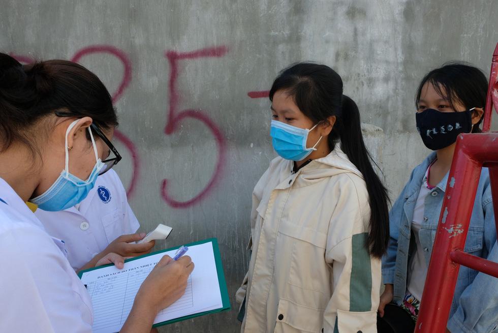 Cận cảnh thôn Văn Lâm 3, nơi cách ly 981 hộ dân liên quan đến bệnh nhân 61 - Ảnh 7.