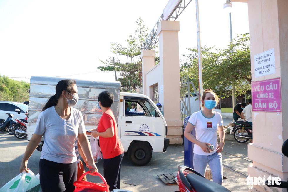 Trung tâm Giáo dục quốc phòng ĐHQG TP.HCM đón gần 1.000 người cách ly - Ảnh 7.