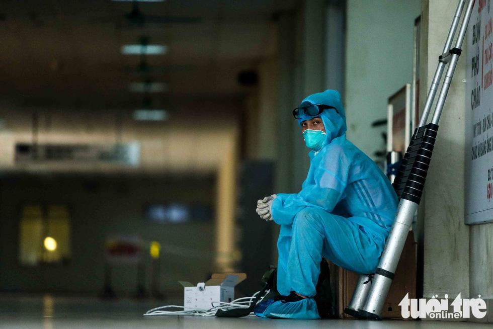 Cận cảnh nơi chữa 46 bệnh nhân dương tính trong trận chiến chống COVID-19 - Ảnh 14.