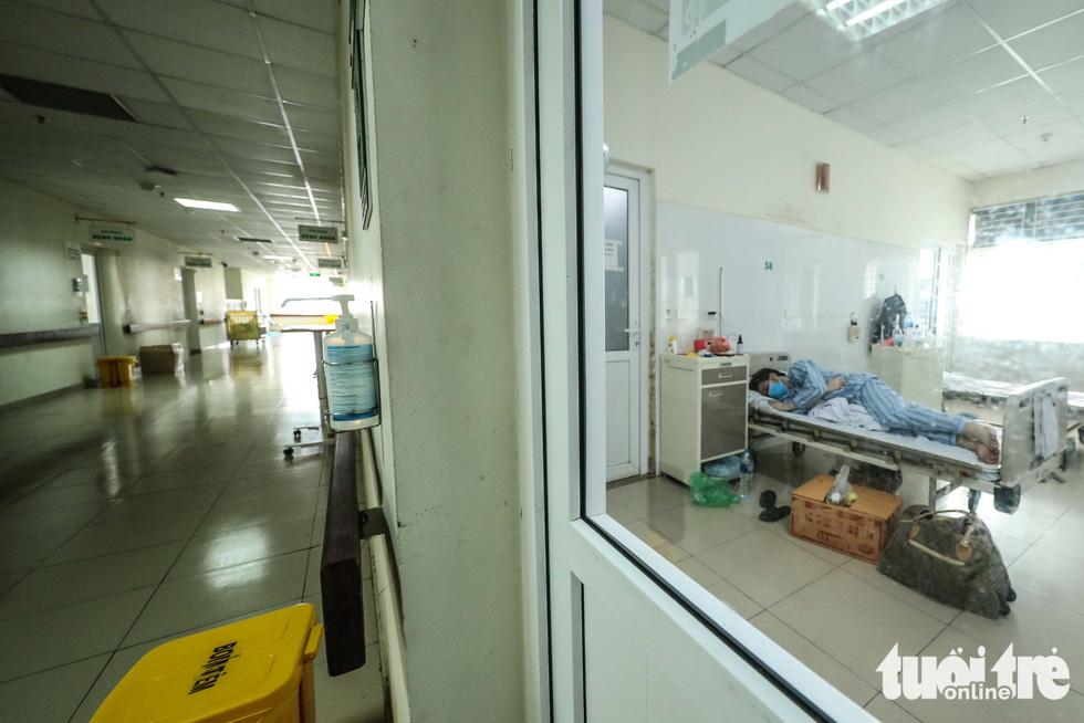 Cận cảnh nơi chữa 46 bệnh nhân dương tính trong trận chiến chống COVID-19 - Ảnh 6.