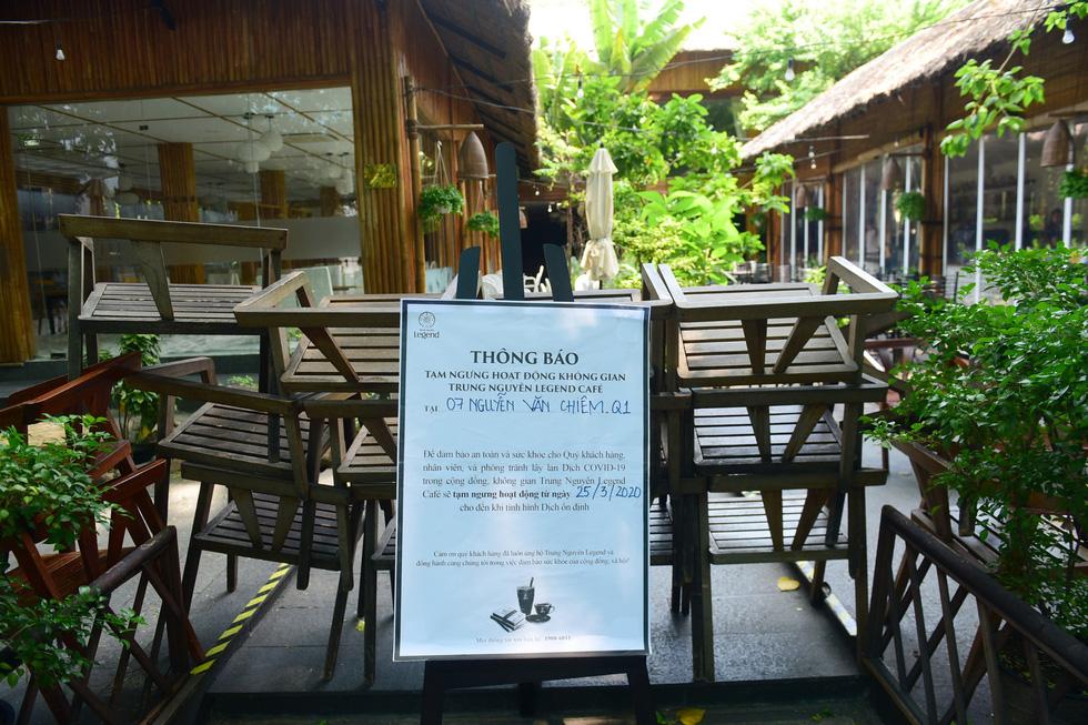 Nhà hàng, quán ăn, tiệm cà phê cất bớt không quá 30 bàn ghế để tiếp tục hoạt động - Ảnh 3.