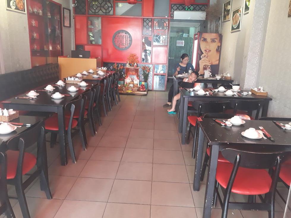Nhà hàng, quán ăn, tiệm cà phê cất bớt không quá 30 bàn ghế để tiếp tục hoạt động - Ảnh 6.