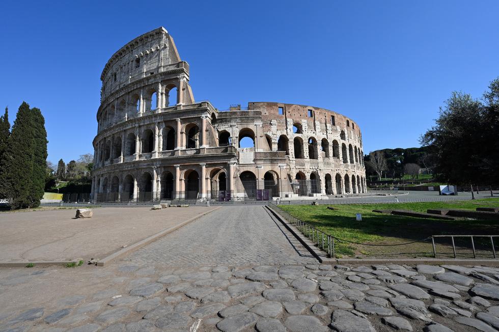 Các điểm du lịch nổi tiếng thế giới không một bóng người vì dịch COVID-19 - Ảnh 6.