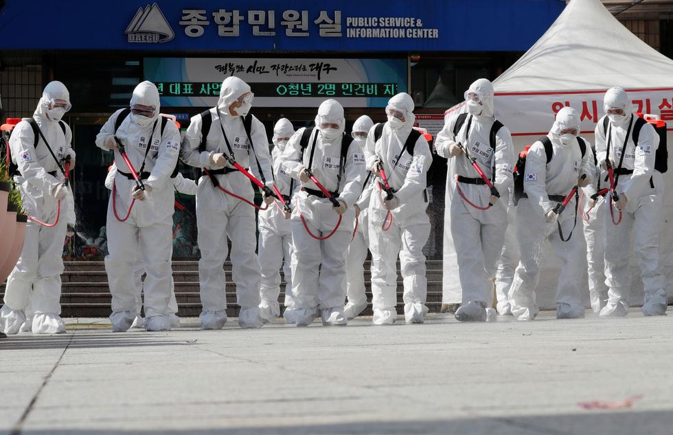 Dịch COVID-19 ngày 3-3: Iran một ngày tăng hơn 800 ca nhiễm, đã có 77 người chết - Ảnh 5.